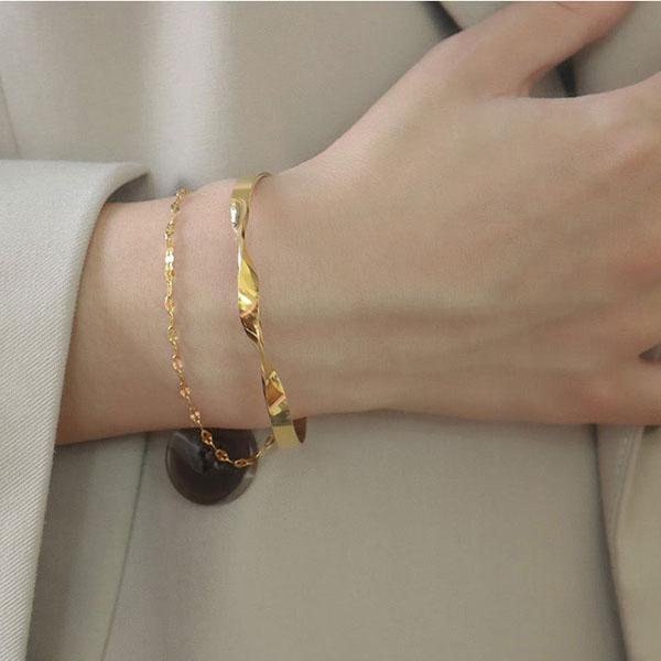 armband 7